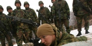 rok-marines-pay-close-attention-to-a-us-marksman-660x330